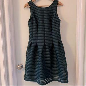 Dark green +Mystic+ dress sz L nwot
